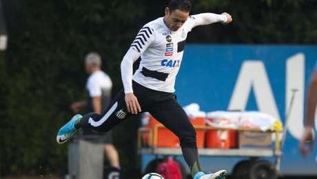 De férias em Recife, Ricardo Oliveira treina nas férias (Foto: Ivan Storti/Santos FC)