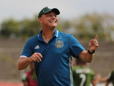 Sandro Forner é o novo treinador do Coritiba