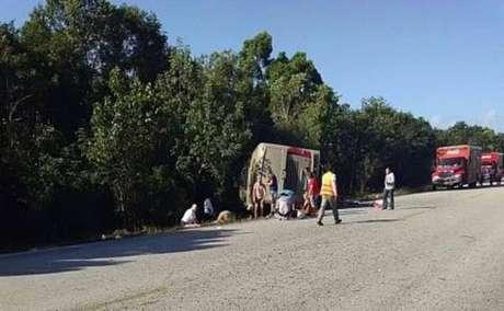 Acidente de ônibus deixa ao menos 12 turistas mortos no México