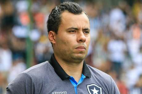 Jair Ventura e Santos têm acordo encaminhado para a temporada 2018 (Foto: Dudu Macedo/Fotoarena/Lancepress!)
