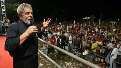 Lei sancionada por Lula pode impedi-lo de concorrer à presidência em 2018