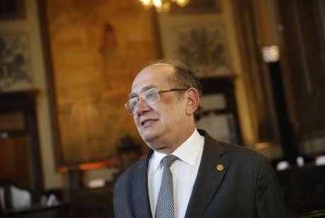 Gilmar Mendes concede liminar que proíbe conduções coercitivas