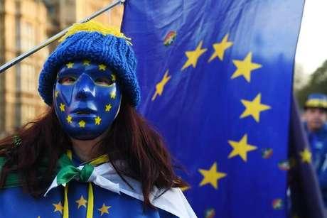 Transição entre UE e Reino Unido deve acabar em 2020