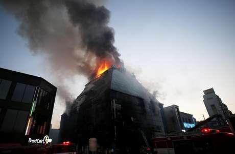 Incêndio em academia deixa 29 mortos na Coreia do Sul