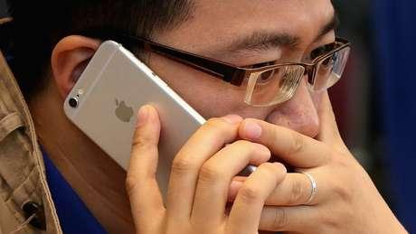Apple assume culpa pelo funcionamento lento de iPhones antigos