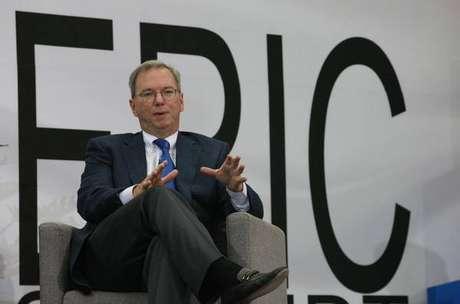 Eric Schmidt deixa comando da Alphabet, dona do Google
