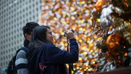Universidade chinesa proibiu associações estudantis de comemorar festas ocidentais no fim do ano | Foto: EPA