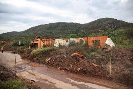 Ruínas em Bento Rodrigues, distrito de Mariana, dois anos após a tragédia do rompimento da Barragem de Fundão, da mineradora Samarco