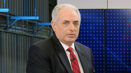 Há rumores de que William Waack poderá ser contratado pelo SBT para a vaga que será aberta com a saída de Joseval Peixoto do 'SBT Brasil'.