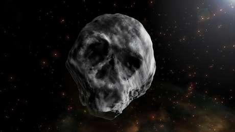 Por ter sido observado na época do Dia das Bruxas e ter semelhança com caveira, o corpo celeste foi chamado de Asteroide do Halloween   Ilustração: J.A.Peñas/Sinc