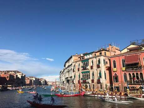 Veneza sofre com turismo em massa