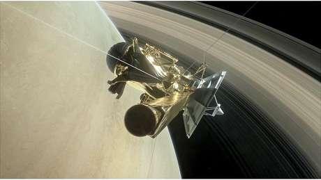 Durante seu último mergulho em Saturno, a Cassini ainda conseguiu enviar imagens para a Terra | Foto: NASA/JPL-CALTECH