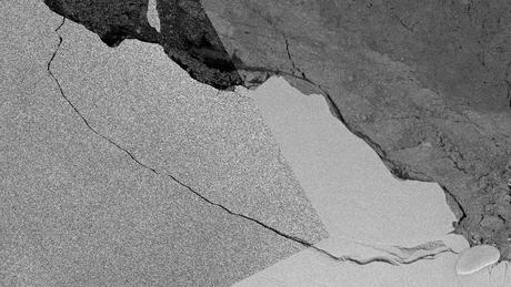 Rachadura em plataforma de gelo foi detectada há anos, mas começou a se aprofundar em 2014 | Foto: Copernicus Sentinel 1 Data/Bas