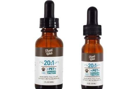 Extrato de cannabis da TreatWell's pode ser pingado direto na boca dos bichos ou na comida / Foto: TreatWell