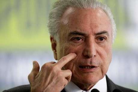Em São Paulo, o presidente também avaliará a possibilidade de retirar a sonda urinária colocada em meados de dezembro