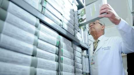 Farmácia Central da Secretaria de Saúde, em Brasília; iniciativa promete controle mais rígido sobre a cadeia de medicamentos, desde fabricantes até hospitais   Foto: Pedro Ventura/Agência Brasília