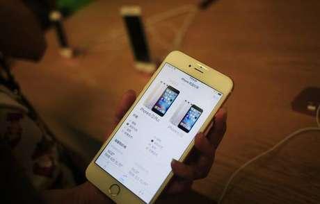 Apple confirmou que reduz desempenho de modelos antigos