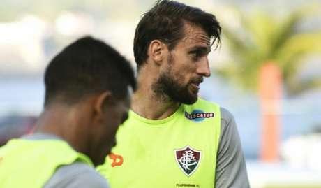 Henrique, zagueiro que estava no Fluminense