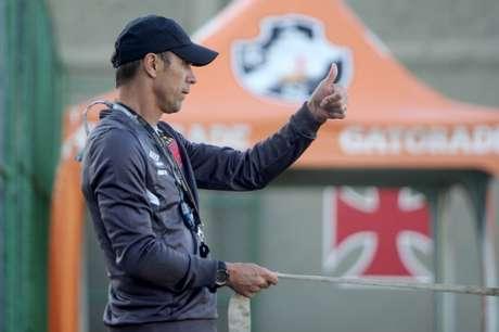 Comandando a equipe cruz-maltina, treinador conquistou a Taça Rio (Foto: Paulo Fernandes/Vasco.com.br)