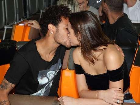 Bruna Marquezine e Neymar, após se reconciliarem, voltaram a se seguir nas redes sociais