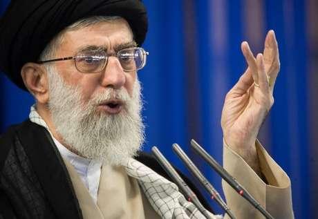 Líder supremo do Irã, aiatolá Ali Khamenei, durante pronunciamento em Teerã 14/09/2007 REUTERS/Morteza Nikoubazl