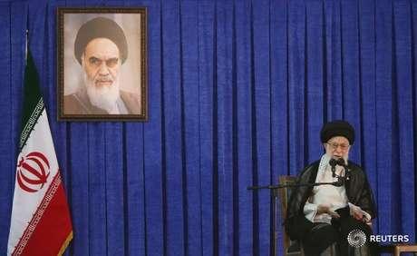 Líder supremo do Irã, aiatolá Ali Khamenei 04/06/2017 TIMA via REUTERS