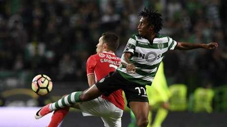 No último dérbi, empate em 1 a 1, na casa do Sporting (Foto: AFP)