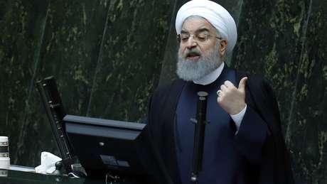 O presidente Hassan Rouhani é um dos principais alvos dos manifestantes