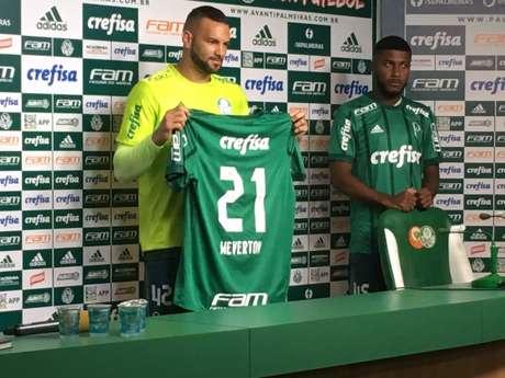 Fã de Marcos, Weverton mira titularidade por sonho de Copa 2018