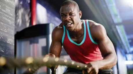 É normal que se sinta dor durante e depois do exercício, devido ao esforço a que o corpo foi submetido | Foto: Getty Images