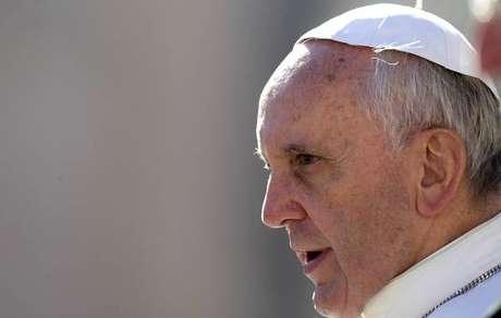 Papa envia telegrama e lamenta acidente de ônibus no Peru