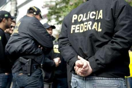 Os mandados judiciais foram expedidos pelo juízo titular da 13ª Vara Federal de Curitiba.