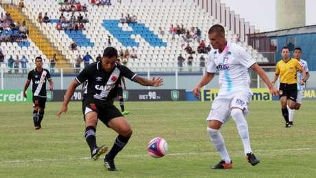 Cruz-Maltino perdeu algumas oportunidades e ficou no empate com Espírito Santo (Foto: Carlos Gregório Jr/Vasco)
