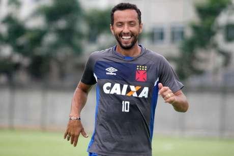 Nenê se reapresentou na manhã deste sábado e treinou com os companheiros (Foto: Paulo Fernandes/Vasco)
