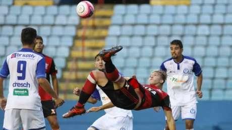 Flamengo e Aimoré ficam no empate pela segunda rodada da Copa São Paulo de Futebol Júnior (Foto: RICARDO MOREIRA/FOTOARENA/ESTADÃO CONTEÚDO)