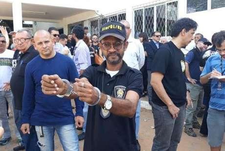 Policiais civis fizeram protestos em Natal contra atraso de salários e paralisaram atividades