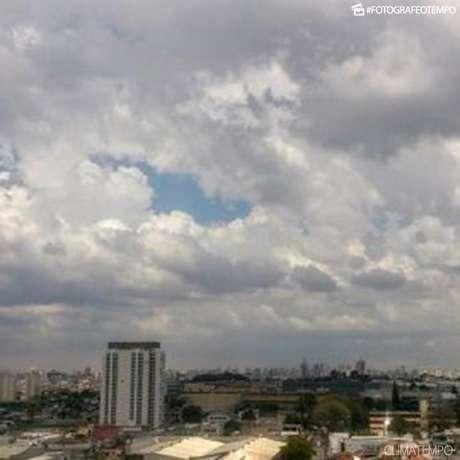 Céu encoberto na cidade de São Paulo