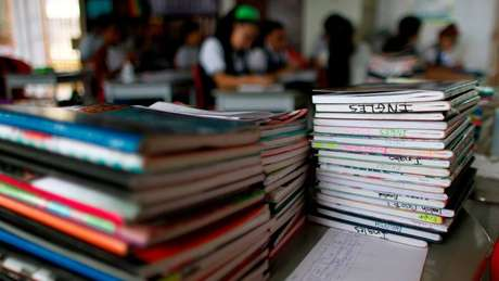 """O argumento para vetar o ensino de inglês nas escolas primárias é impedir a """"invasão do país pela cultura ocidental"""""""