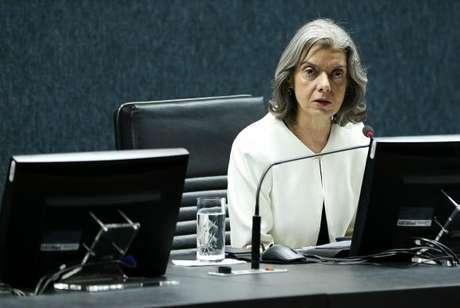 A viagem da ministra Cármen Lúcia foi marcada após relatório encaminhado à presidente do STF pelo presidente do Tribunal de Justiça de Goiás (TJ-GO), Gilberto Marques Filho