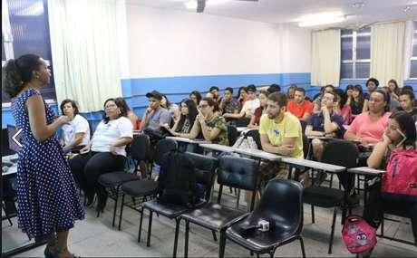 O reitor da instituição, Maximiliano Damas, disse que o centro universitário repudia os ataque e toma todas as medidas legais para impedir que os casos se repitam.
