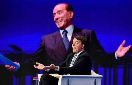 Em campanha eleitoral, Berlusconi e Renzi trocam acusações