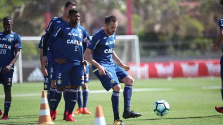 Mancuello deve vestir a camisa celeste na temporada de 2018 (Gilvan de Souza / Flamengo)