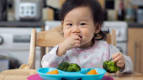 Até os 18 meses de idade, bebes costumam ser mais receptivos a texturas e sabores novos