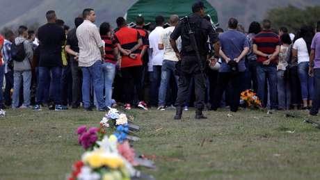 Estudo mostra que 11,8% dos homicídios cometidos em 2015 geraram denúncias criminais
