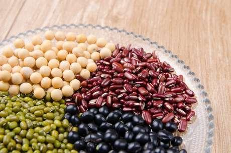 Leguminosas: feijões vermelho, preto, verde e soja