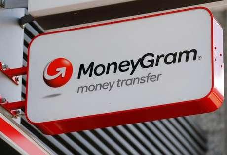 Logo da MoneyGram em banco de Viena, Áustria 28/06/2016 REUTERS/Heinz-Peter Bader