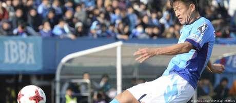 Na temporada de 2017 Kazu participou de 12 partidas da 2 diviso da J-League e marcou um gol pelo Yokohama