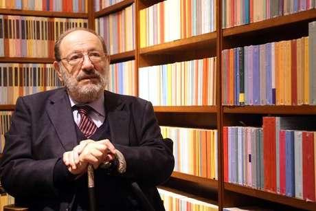 'O Fascismo Eterno' de Umberto Eco é relançado na Itália