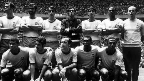 Todos os 22 jogadores da seleção brasileira (e mais três pessoas da comissão técnica) receberam um Fusca de Paulo Maluf
