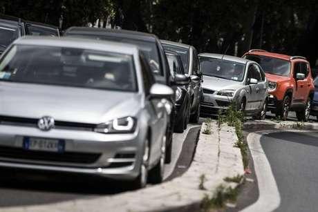 Brasileiros residentes na Itália poderão tirar mais facilmente a carteira de motorista